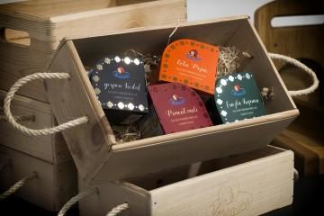 Božićni poklon paketi Veronika delikatesa